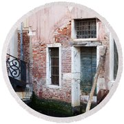 Stucco And Brick Canalside Building Venice Italy Round Beach Towel