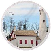 Sturgeon Point Lighthouse Round Beach Towel