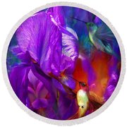 Summer Hummers Round Beach Towel