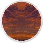 Summer Sunrise Over Jackson Michigan Mirror Image Round Beach Towel