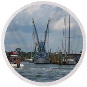 Summer Time Boating Round Beach Towel