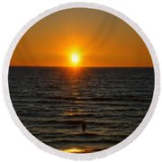 Sundown Admiration Round Beach Towel