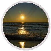Sundown Gazing Round Beach Towel