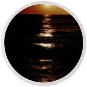 Sundown Reflections On Lake Michigan 02 Round Beach Towel