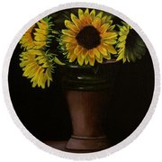 Sunflowers In Vase Round Beach Towel