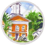 Sunny Morning On The City Square Round Beach Towel