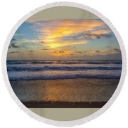 Sunrise In Salvo Round Beach Towel