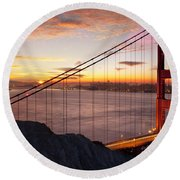 Sunrise Over The Golden Gate Bridge Round Beach Towel