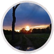Sunset And The Dead Tree Round Beach Towel