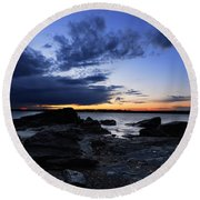 Sunset At Fort Getty Round Beach Towel