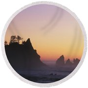 Sunset At Point Of The Arches Round Beach Towel