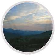 Sunset In The Mountans Round Beach Towel