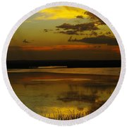 Sunset On Medicine Lake Round Beach Towel
