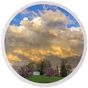 Sunset On Mixed Clouds Round Beach Towel