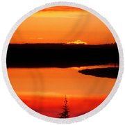 Sunset On Whitefish Lake Norhwest Territories Canada Round Beach Towel
