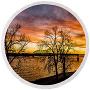 Sunset Over The Mississippi River Round Beach Towel