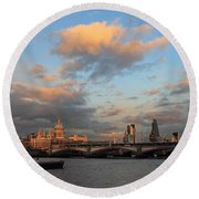 Sunset Over The River Thames London Round Beach Towel