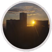 Sunset Over The Skyline Of Vancouver Round Beach Towel