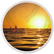 Sunset Over The Water In Waikiki Round Beach Towel