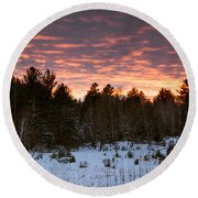 Sunset Over The Winter Forest Round Beach Towel