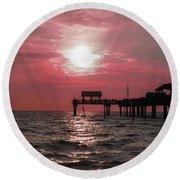 Sunsetting On The Gulf Round Beach Towel