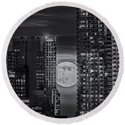 Super Moon Rises Over The Big Apple Bw Round Beach Towel by Susan Candelario