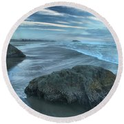 Surf Statues Round Beach Towel