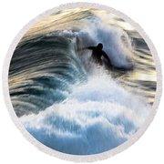 Surfing For Gold Round Beach Towel