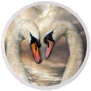Swan Love Round Beach Towel