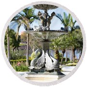 Swan Fountain In Lakeland Round Beach Towel