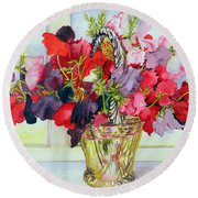 Sweet Peas In A Vase Round Beach Towel