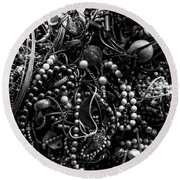Tangled Baubles - Bw Round Beach Towel