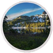 Tatoosh Peek Round Beach Towel