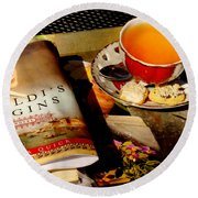 Tea And A Read Round Beach Towel