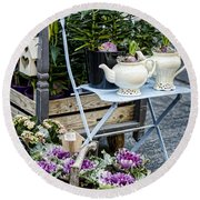 Teapots And Flowers Round Beach Towel