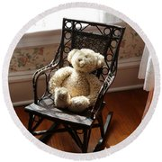 Teddy In Old Fashioned Rocker Round Beach Towel