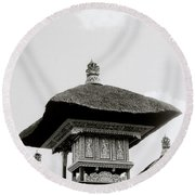 Temple In Ubud Round Beach Towel