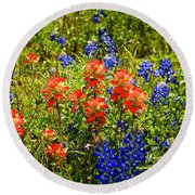 Texas Bluebonnets And Red Indian Paintbrush Round Beach Towel