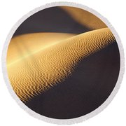 Texture Pattern On Sand Dunes Round Beach Towel