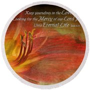 Textured Red Daylily With Verse Round Beach Towel