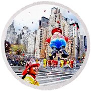 Thanksgiving Parade Round Beach Towel