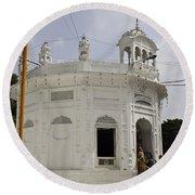 Thara Sahib Inside The Golden Temple Round Beach Towel