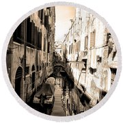The Back Canals Of Venice Round Beach Towel