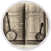 The Banjo Story Round Beach Towel