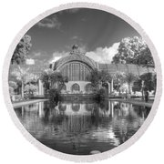 The Botanical Building In Black And White Round Beach Towel