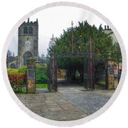 The Church Gate At Kirklands In Kendal Round Beach Towel