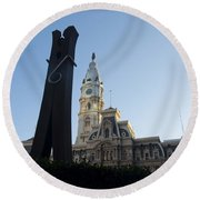 The Clothes Pin Statue And City Hall - Philadelphia Round Beach Towel