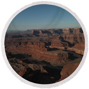 The Colorado River At Dead Horse State Park Round Beach Towel