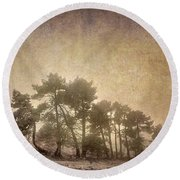 The Curved Tree Round Beach Towel