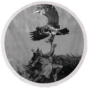 The Eagle And The Indian In Black And White Round Beach Towel